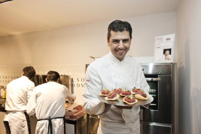 AGAPE via Statuto, 12, chef: Andrea Berton (ristorante Pisacco), ricetta: focaccia di Recco con controfiletto di manzo crudo. Credits: @LUZ Alessandro Grassani
