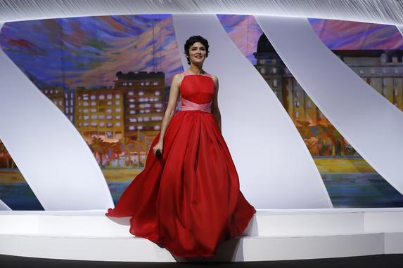 Audrey Tautou, la madrina della 66esima edizione del Festival di Cannes con un abito Prada © AFP