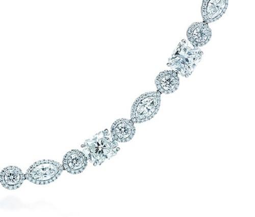Damiani Collana in platino con diamanti Lucida composto da 34 diamanti affiancati da diamanti tondi e marquise