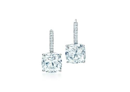 Orecchini Tiffany Novo  in platino e diamanti da 5 carati