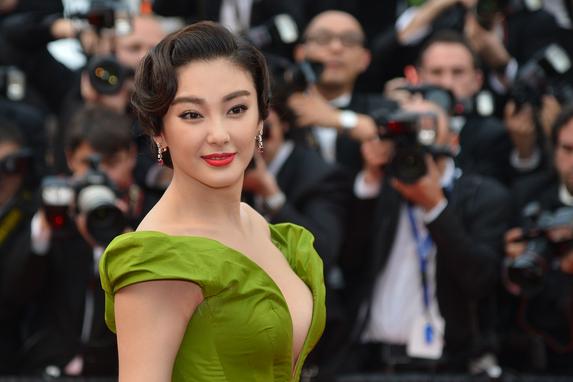 Zhang Yuqi in Ulyana Sergeenko Couture © AFP