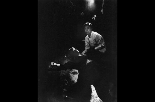 Eppridge: Kennedy a terra dopo l'attentato / @ Life-Getty images