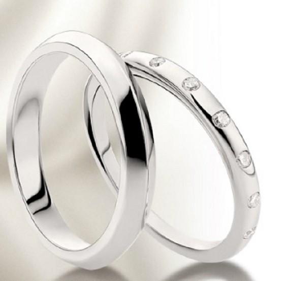 Fede Nuziale Bulgari con diamanti in platino