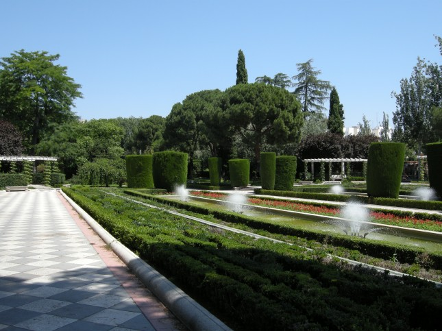 Il giardino dedicato a Cecilio Rodríguez, capo giardiniere del Retiro.