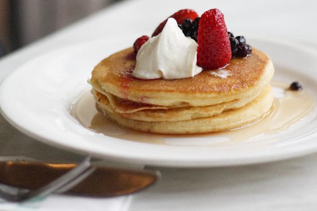 Un po' di varietà: pancakes con frutta