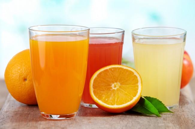 Spremute di arancia bionda,  pompelmo e pompelmo rosa: tutti i gusti degli agrumi!