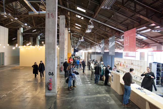 L'interno dell'hangar convertito in spazio culturale, oggi J1.