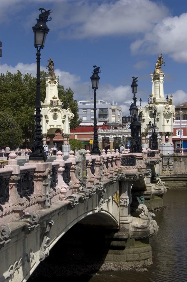 Il ponte Maria Cristina nel centro di San Sebastian.