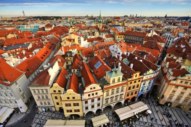 I tradizionali tetti rossi della città vecchia