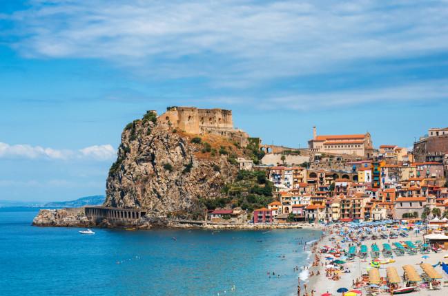 Il castello di Scilla, in Calabria
