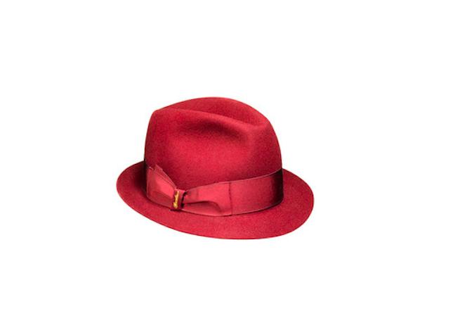 Borsalino in feltro rosso, collezione autunno-inverno 2013-2014