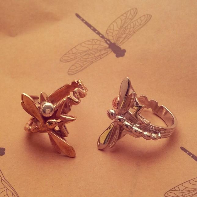 Anelli con libellule in bronzo e argento