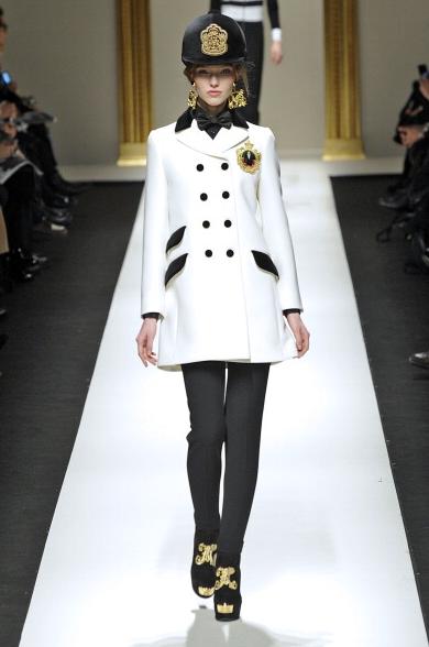 Cappelli Moschino collezione fall-winter 2013-2014