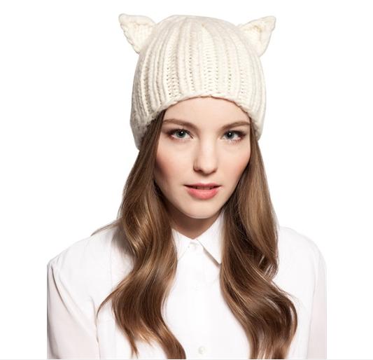 Cappello Felix in lana di Eugenia Kim disponibile in bianco, grigio, nero e viola