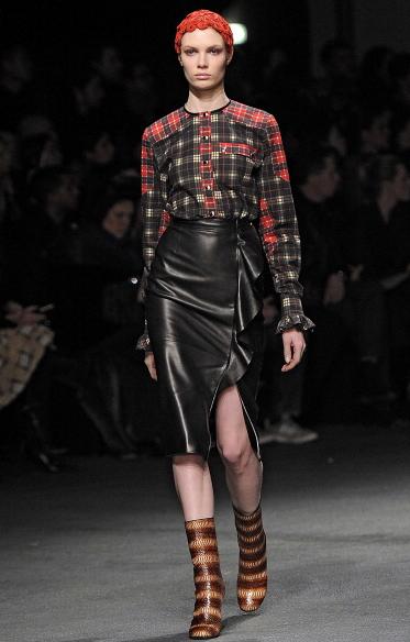 Dark e rock: è il tartan dell'autunno-inverno 2013-2014 di Givenchy