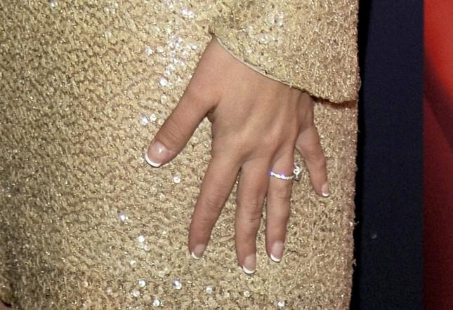 Particolare anello di fidanzamento, Britney Spears