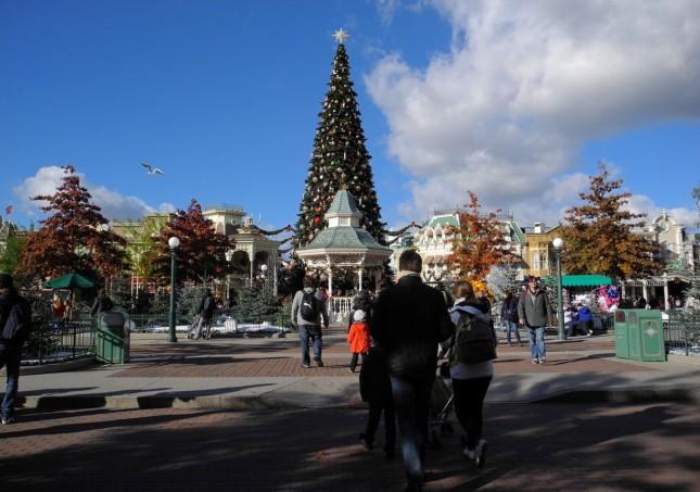 L'albero di Natale in Town Square (ce ne sono altre 130 nel parco)