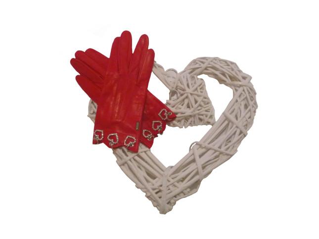 Guanti rossi in capretto foderati in seta con charms a forma di cuore e strass, €139. Sermoneta Gloves.