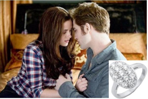 Bella Swan (alias Kristen Stewart) e Edward Cullen (alias Robert Pattinson) nella saga Twilight: nella terza parte della serie, Breaking Dawn, Bella riceverà l'anello di fidanzamento dal suo amato vampiro, un ovale tempestato da pseudo-diamanti