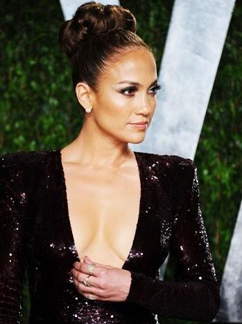 Jennifer Lopez sul red carpet con un vestito di Zuhair Murad