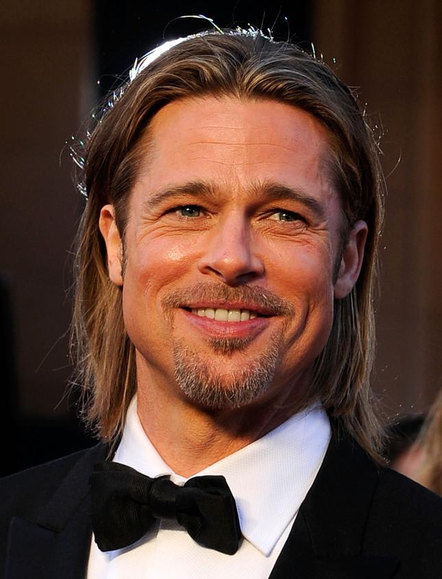 Brad Pitt alla cerimonia di consegna degli Oscar nel 2012
