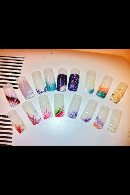 Varietà di unghie con disegno