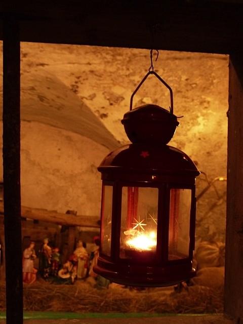La sera è il momento migliore per godersi l'atmosfera dei presepi  ©Giovanni Mariani