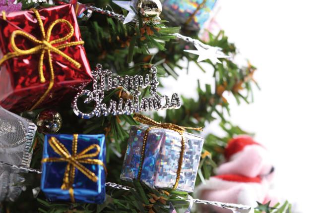 Viva l'albero di Natale... e anche i regali