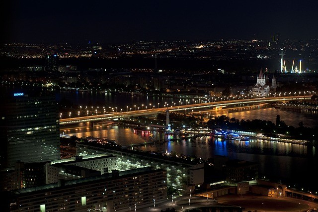 Vista notturna di Vienna