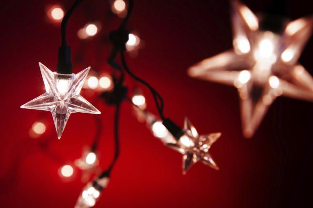 Luci, luci e ancora luci per far splendere il nostro albero di Natale