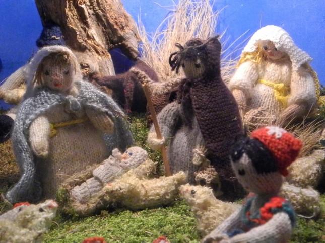 Presepe con statuine in lana