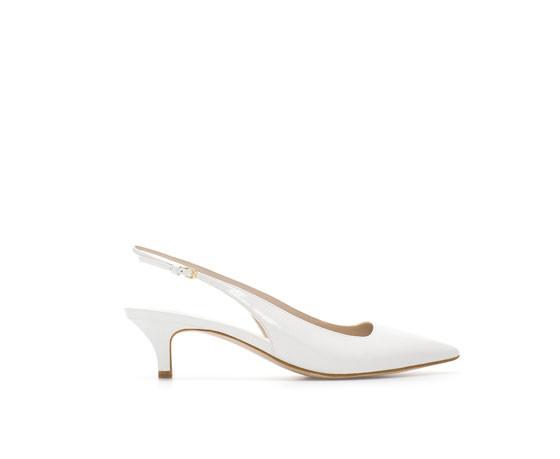 Sandalo aperto in vernice e con tacco medio Zara