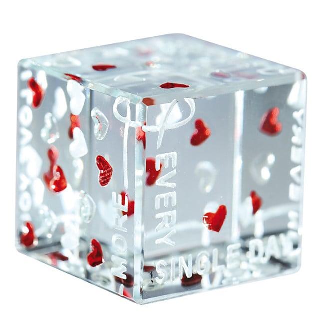 Segna-posto a forma di cubo di vetro: perché non nascondere proprio lì sotto il nostro valentine? Proposta John Lewis
