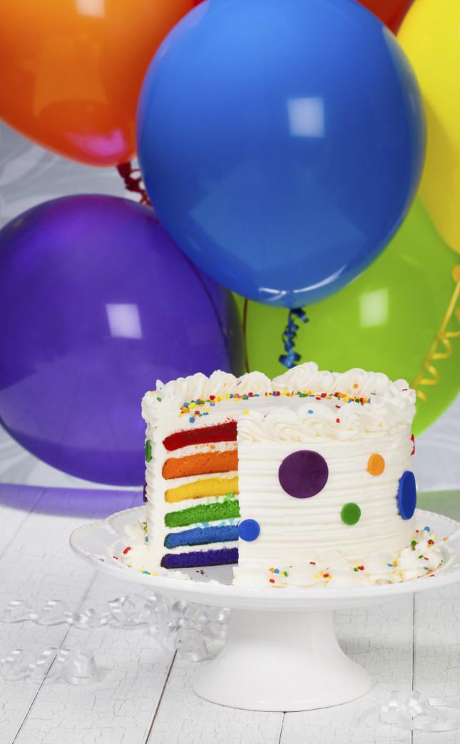 Palloncini, una torta coloratissima ed è subito festa!