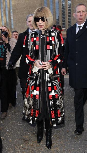Anna Wintour indossa un cappotto di Alexander Mcqueen