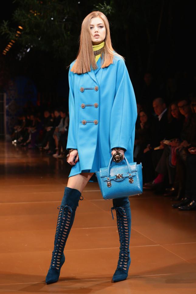 Toni più chiari nella palette Versace f/w 2014-2015