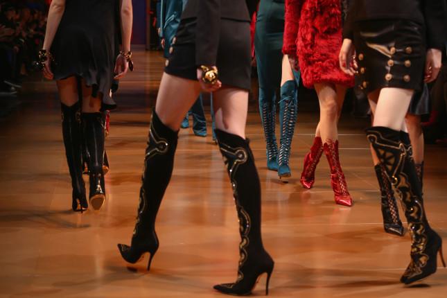 Stivali: con intarsi o stringati, decisamente sexy - Versace f/w 2014-2015