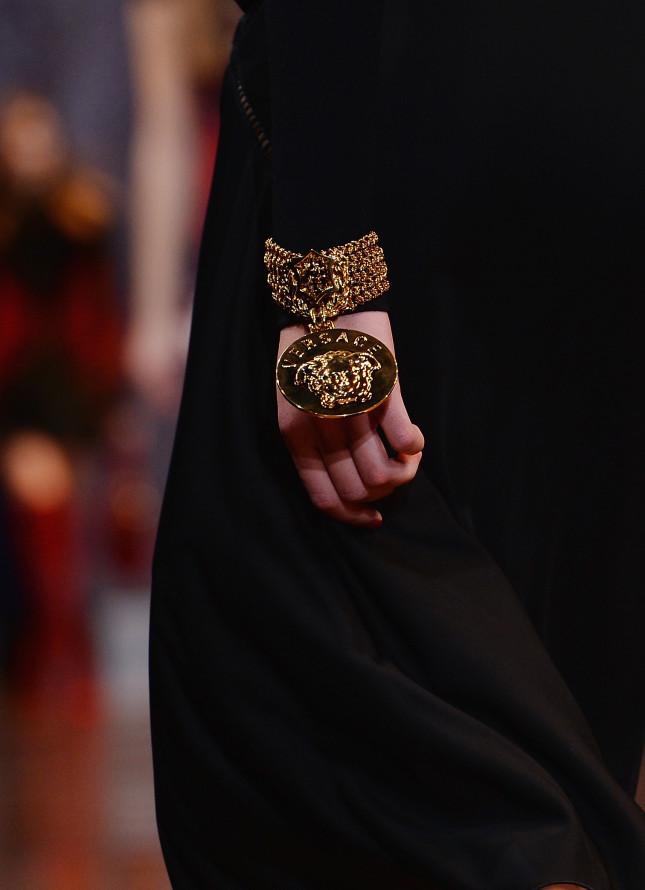 Bracciale con charm - Versace f/w 2014-2015