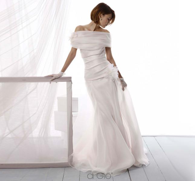 Abito fasciante di Le Spose di Giò 2014