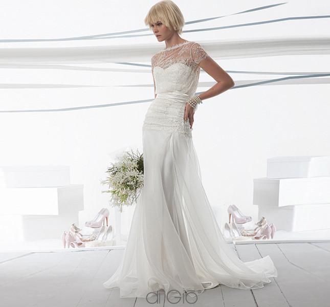 Linea scivolata e raffinata per l'abito Spose di Giò 2014