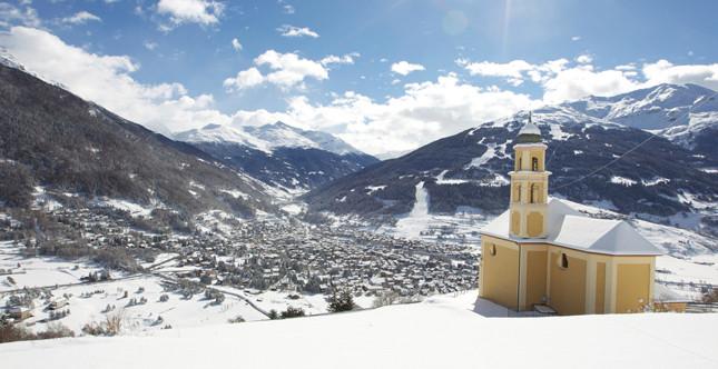 Grazie alle sue rinomante piste Bormio è scelta da molti turisti nel periodo invernale
