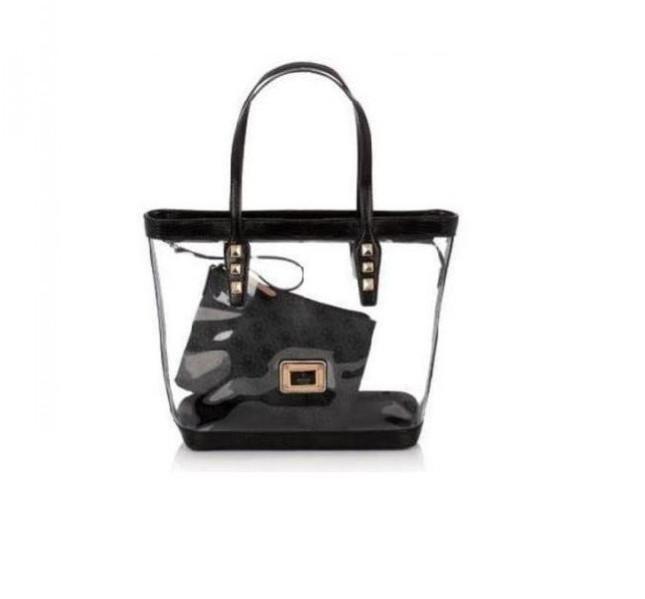 Maxi bag in PVC con doppio manico e dettagli neri, collezione Guess primavera-estate 2014