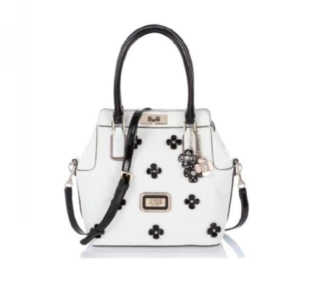 Handbag bianca con applicazioni e charms Guess collezione primavera-estate 2014