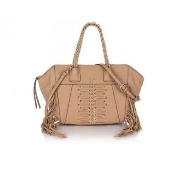 Handbag color cammello con frange Guess, collezione primavera-estate 2014
