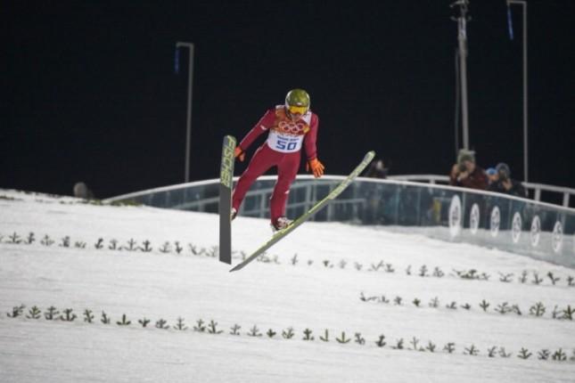 Kamil Sotch è l'idolo della Polonia. Ha vinto tutte le gare di salto. Qui durante il suo interminabile volo di 140 metri dal trampolino lungo.