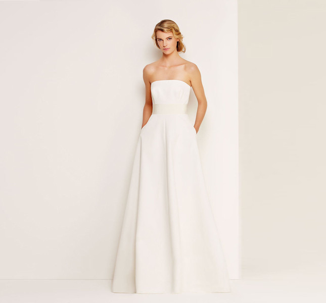 Il tocco in più? Le tasche nell'abito da sposa! E' una proposta Max Mara Bridal Collection.