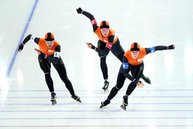 Il ghiaccio si tinge di arancione: la straordinaria nazionale olandese fa incetta di titoli olimpici nello speed skating
