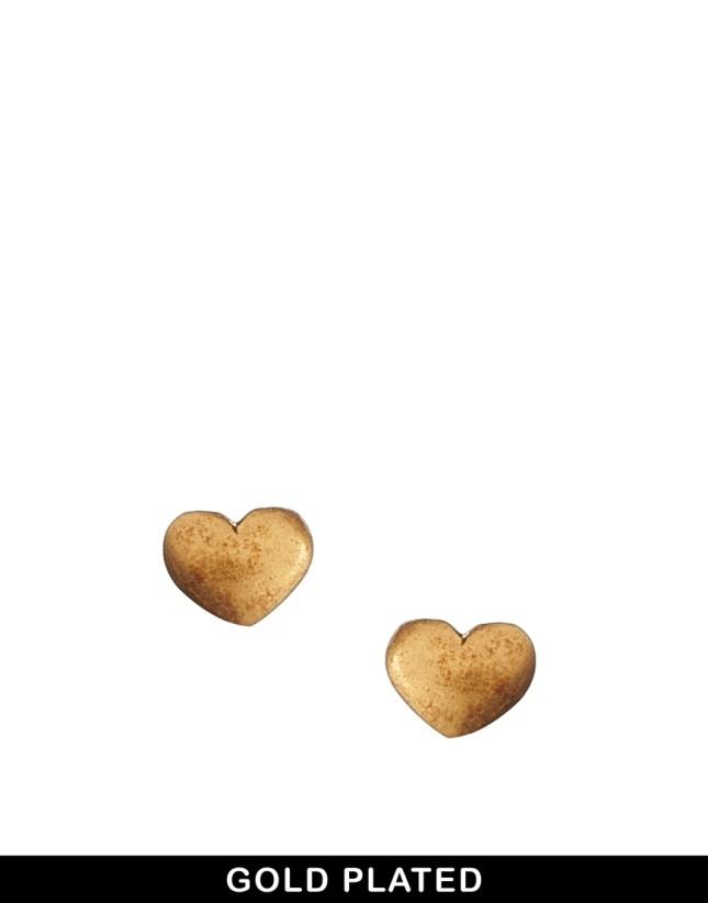 Orecchini a forma di cuore in metallo placcato oro di Julie Sandlau for Pieces, Asos