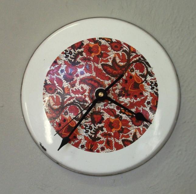 Orologio ricavato da coperchio