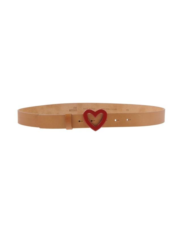Cintura con fibbia a forma di cuore, Love Moschino, disponibile su Yoox